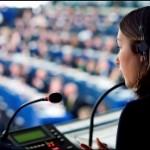 An interpreter at work during the EU - South Korea free trade agreement