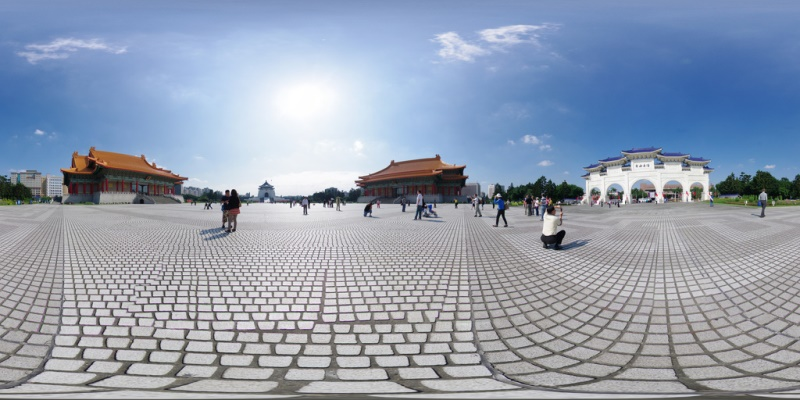 Tourists flock to Chiang Kai Shek National Memorial, site of both the National Opera House and National Theater of Taiwan. Source: Gadl's flickr photostream, used under a creative commons license.