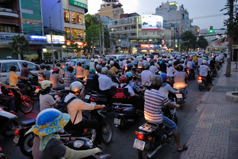 Vietnamese commute during rush hour in Ho Chi Minh City. Vietnam's economy has shown shoots of growth in recent months.  Source: Padmanaba01's flickr photostream, used under a creative commons license.