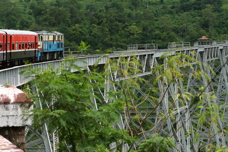 The Gokteik Viaduct in western Shan State, Myanmar, built in 1900 by the Pennsylvania and Maryland Bridge Construction company. Plans for greater connectivity between India and Southeast Asia will require upgrading infrastructure in east India, Myanmar, and neighboring Bangladesh. Source: Lacest20's flickr photostream, used under a creative commons license.